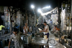 Oil can recycling in Dharavi